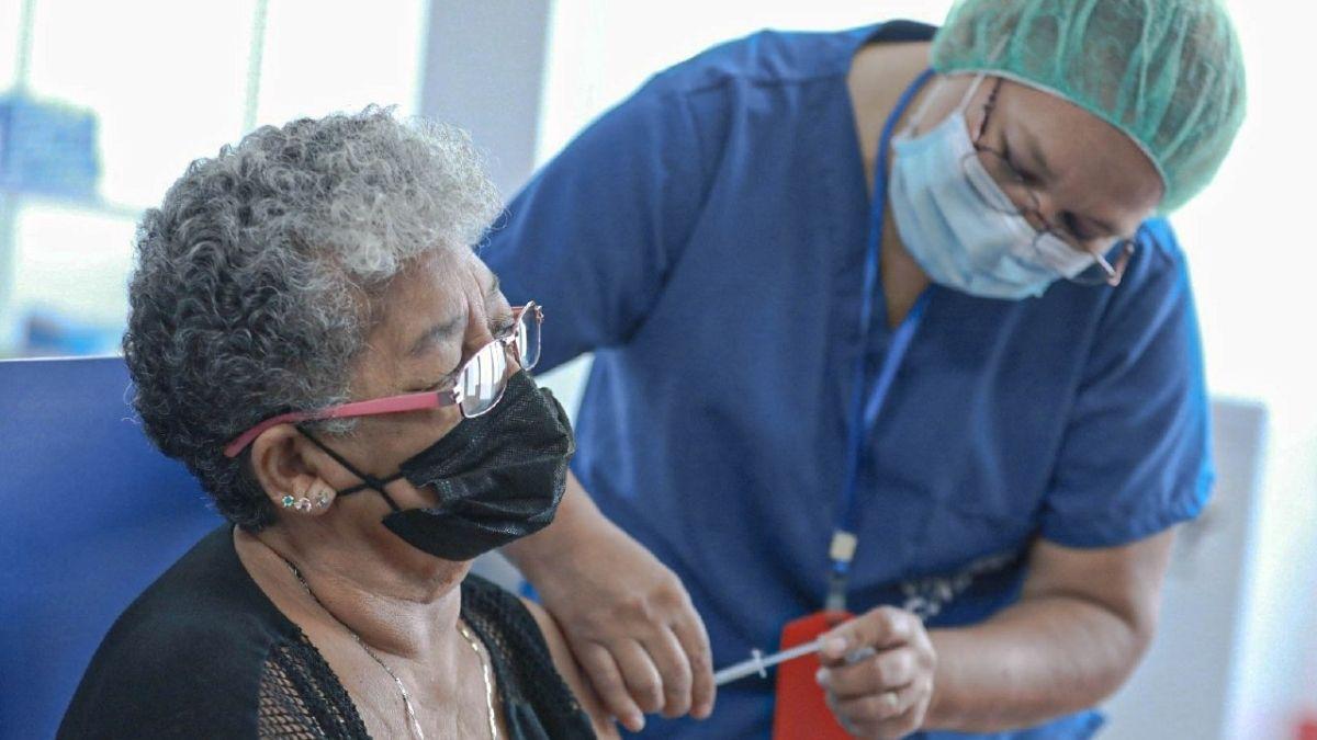 Vacunación covid 19 en El Salvador