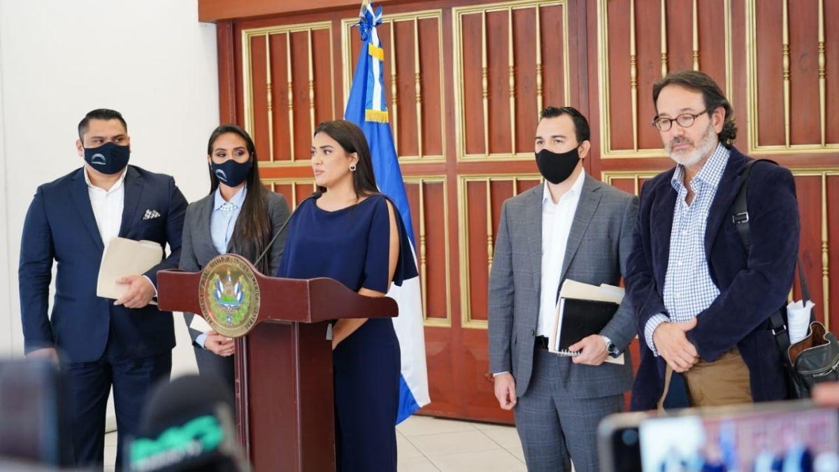 Comisión especial crítica silencio de CCR