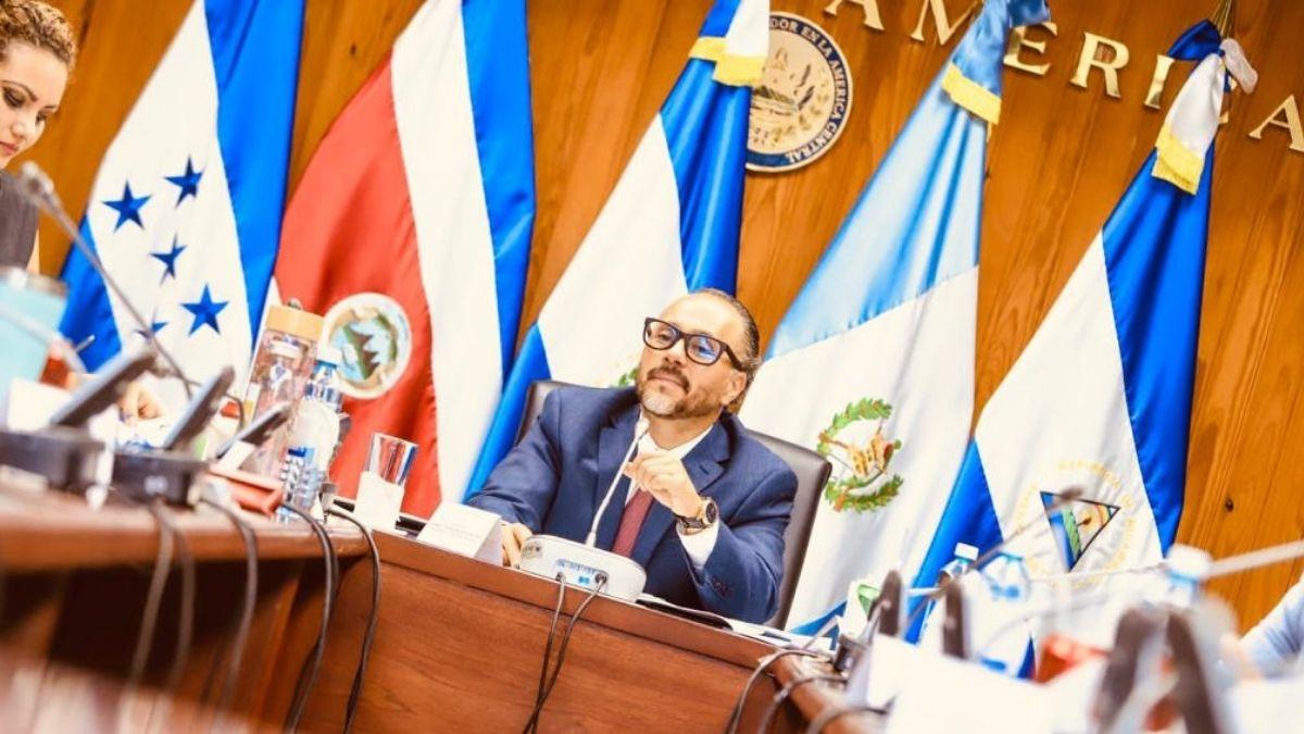 Ernesto Castro censuró manejo mediático en proyecto ley recursos hídricos