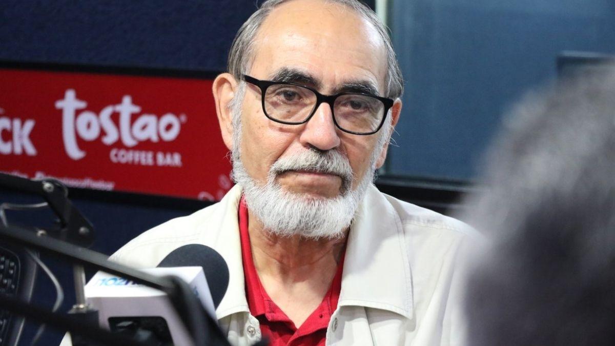 Ex embajador Ruben Zamora tilda de animalitos a diputados