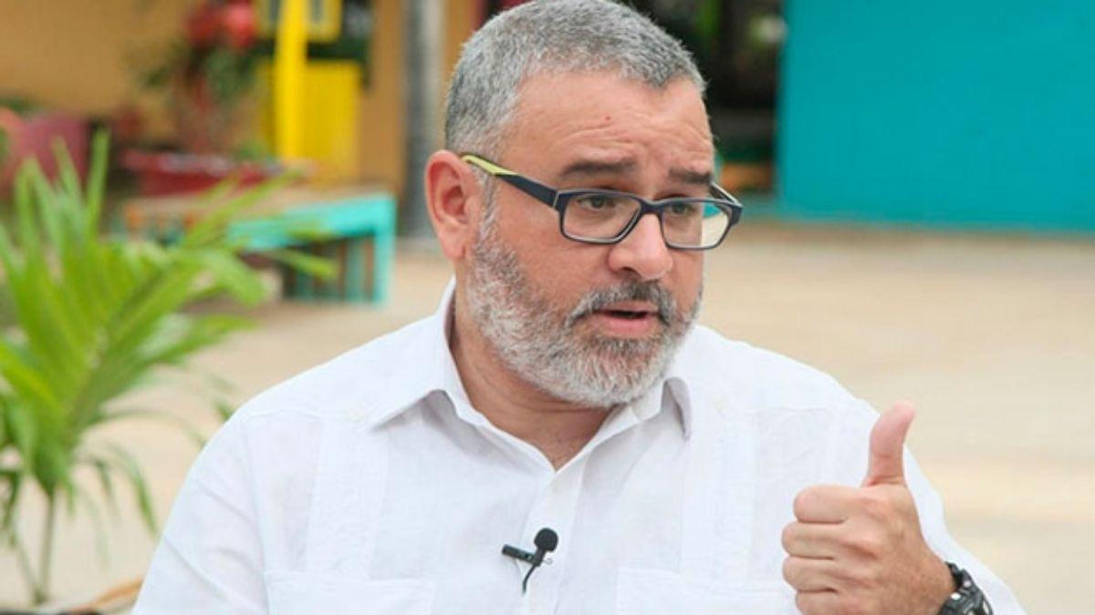 Mauricio Funes robo $351 millones al Estado