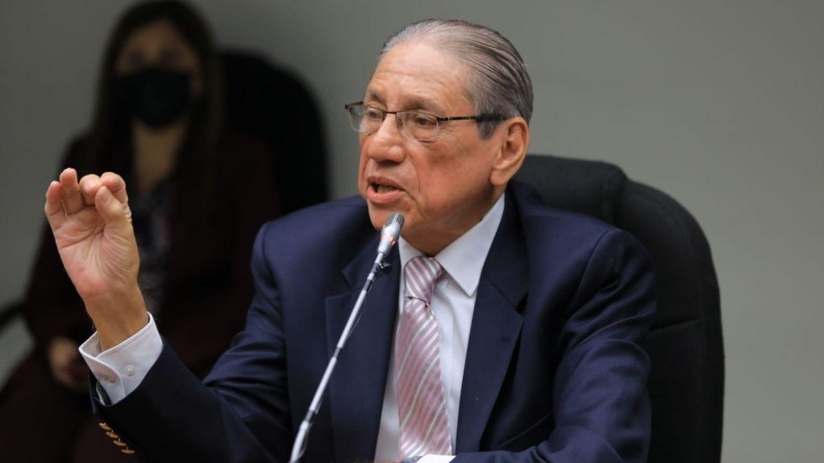 Agustín García Calderón niega recibir sobresueldos pero acepta que le dieron bono de $28,000