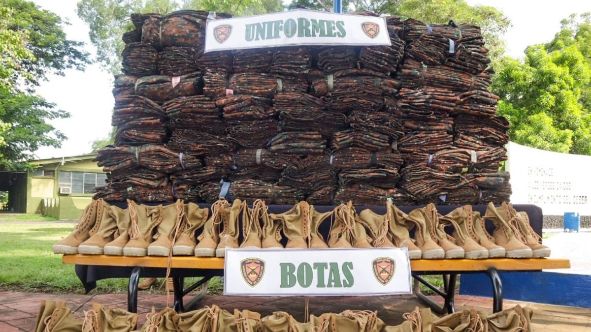 Más de 2 mil uniformes fueron entregados a soldados de la Tercera Zona Militar