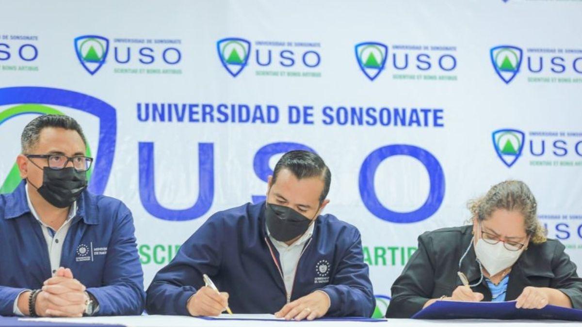 Hacienda firma convenio para apoyar el desarrollo profesional de los estudiantes universitarios