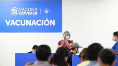 Segun la Our World In Data, El Salvador supera el 50 % de cobertura de vacunación contra la COVID-19